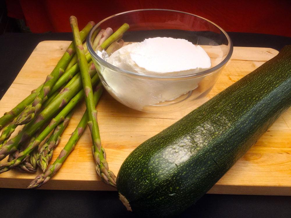 Velas de calabacín rellenas de trigueros y queso crema. Ingredientes recetas DietAlba