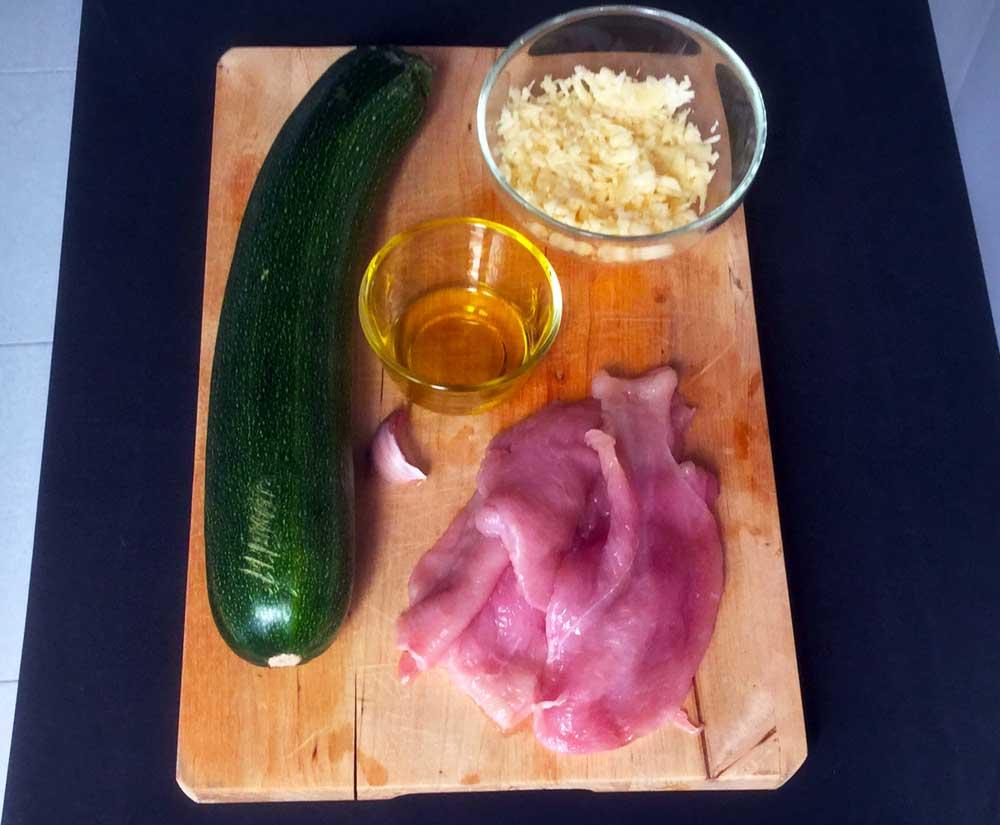 Sándwich de calabacín relleno de queso y pollo. Ingredientes de la receta DietAlba.